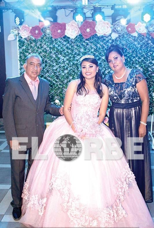 Ricardo Altamirano & Selene Alvarado, celebraron los quince años de su hija Ingrid Altamirano.