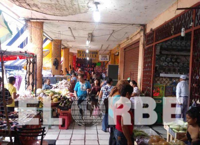 """Limpia de Ambulantes Mejorará Ventas en el """"Sebastián Escobar"""""""