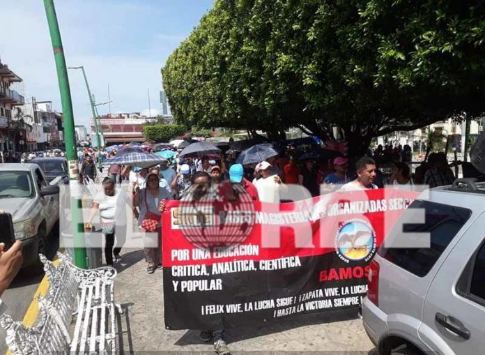 Protestan Maestros en Tapachula Inician Paro de Labores de Dos Días
